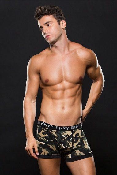 Boxer con estampado militar en tonos verdes